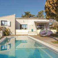 Two-Bedroom Holiday Home in L'Isle sur la Sorgue