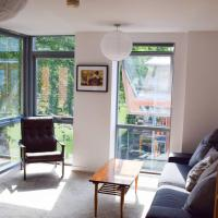 1 Bedroom Clapton Flat With Balcony