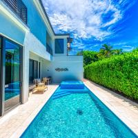 Olde Naples Luxury - Single Family Heated Pool and Spa Home - Walk to the Beach and 5th Ave S.