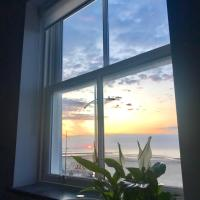 Sunset Apartment from SoHot Stays - 5 Star Location - Free Breakfast