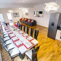Halesowen Apartment Up to 16 People