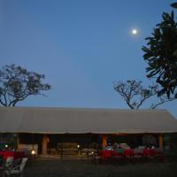 Gnu Mara River Camp