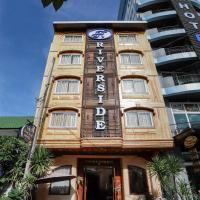 Charming Riverside Hotel