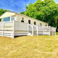 Forest Beach Shorefield Park