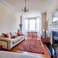 Homey 2BR Flat in Edinburgh by GuestReady