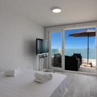 100% SEAVIEW, 2 minutes walking to the BEACH and PARKING free