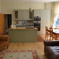Beautiful sunny apartment, Lark lane Sefton Park