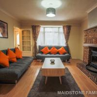 Spacious Maidstone House, Free Parking, Fantastic Location