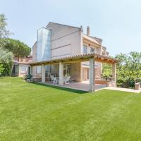 Casa amb jardí i piscina a prop de Barcelona