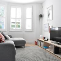 Fantastic 2 Bedroom 2 Storey House in Tooting