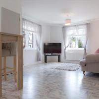 Spacious Modern Apartment with Free Parking!