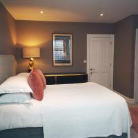 4 BEDROOM/EN SUITE TOWNHOUSE WEST LONDON