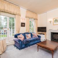 Royal Richmond Family Home by Kew Gardens