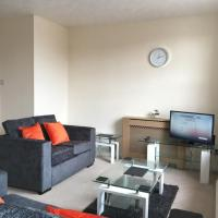 Brand new apartment 3 minutes walk from train station