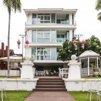 OYO 261 Riverside Colonial Hotel