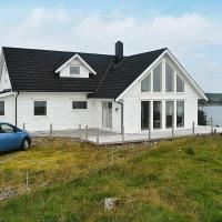 Holiday home Bakkasund II