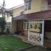 Amanda home stay jln lotus raya no 5 bukit palem Apartemen