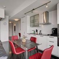One Bdrm with Unobstructed Lake View and CN Tower