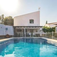 Amazing home in Setfilla/Lora del Rio w/ Outdoor swimming pool, WiFi and Outdoor swimming pool