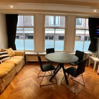 Heerengracht Penthouse Apartment