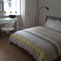 Private room ensuite, parking, in Sefton Park