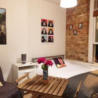 Glamorous studio flat in the heart of London