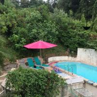 Chambre 2 Personnes à l'étage d'une maison avec piscine Proche de CANNES