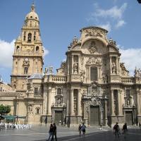 Nuevo junto a Catedral