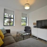 Stylish 2 Bedroom Apartment in Downtown Bristol
