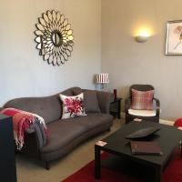 Number 10 service apartment - Danes
