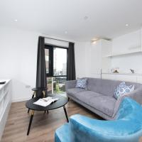 Charming 2BR Apartment in Modern Building