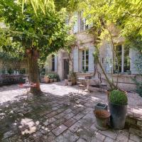Maison XIXe et Jardin en Intramuros