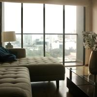 LUXURY, SPACIOUS APARTMENT WITH GREAT CITY VIEWS!