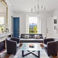 Stunning Haussmannien Apartment in Paris by GuestReady