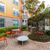 Atlantic Station 2 BR Condos w Pool