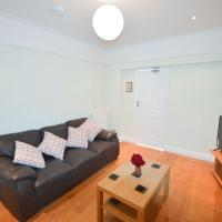 Fantastic 4 Bedroom House In Bath With Garden