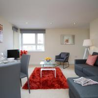 One Bedroom Marina Apartment with Free Parking 10 mins to Station