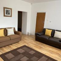 Modern 1 Bed apartment close to city centre & LFC