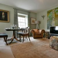 Lovely 2 Bed Flat in Bath near Bath Spa Station for 4 people