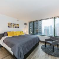 Loop Apartment with Gym & KING BED