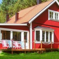 Three-Bedroom Holiday home in Sollentuna