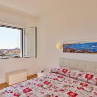 Sea view, 4 en-suite apartment in San Gregorio Armeno
