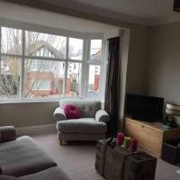 Spacious and Homely 2 Bedroom Hove Flat