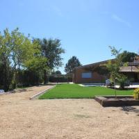 Villa Paredes