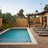 NICE HOUSE WITH PRIVATE POOL IN GOLD COAST