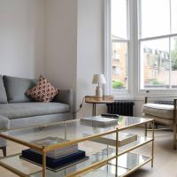Newly Decorated Contemporary 2 Bedroom Flat