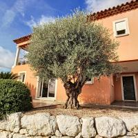 Apartment 4 persons in villa with garden