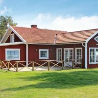 Two-Bedroom Holiday home in Mariestad