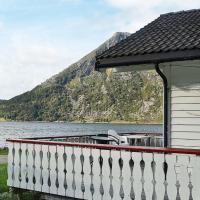 Three-Bedroom Holiday home in Selje 4