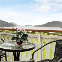Five-Bedroom Holiday home in Masfjordnes